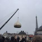 Prima cupolă a catedralei ortodoxe ruse din Paris a fostinstalată