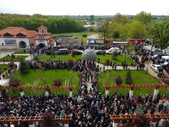 Hramul-Manastirii-Pantocrator-30-aprilie-2017-5